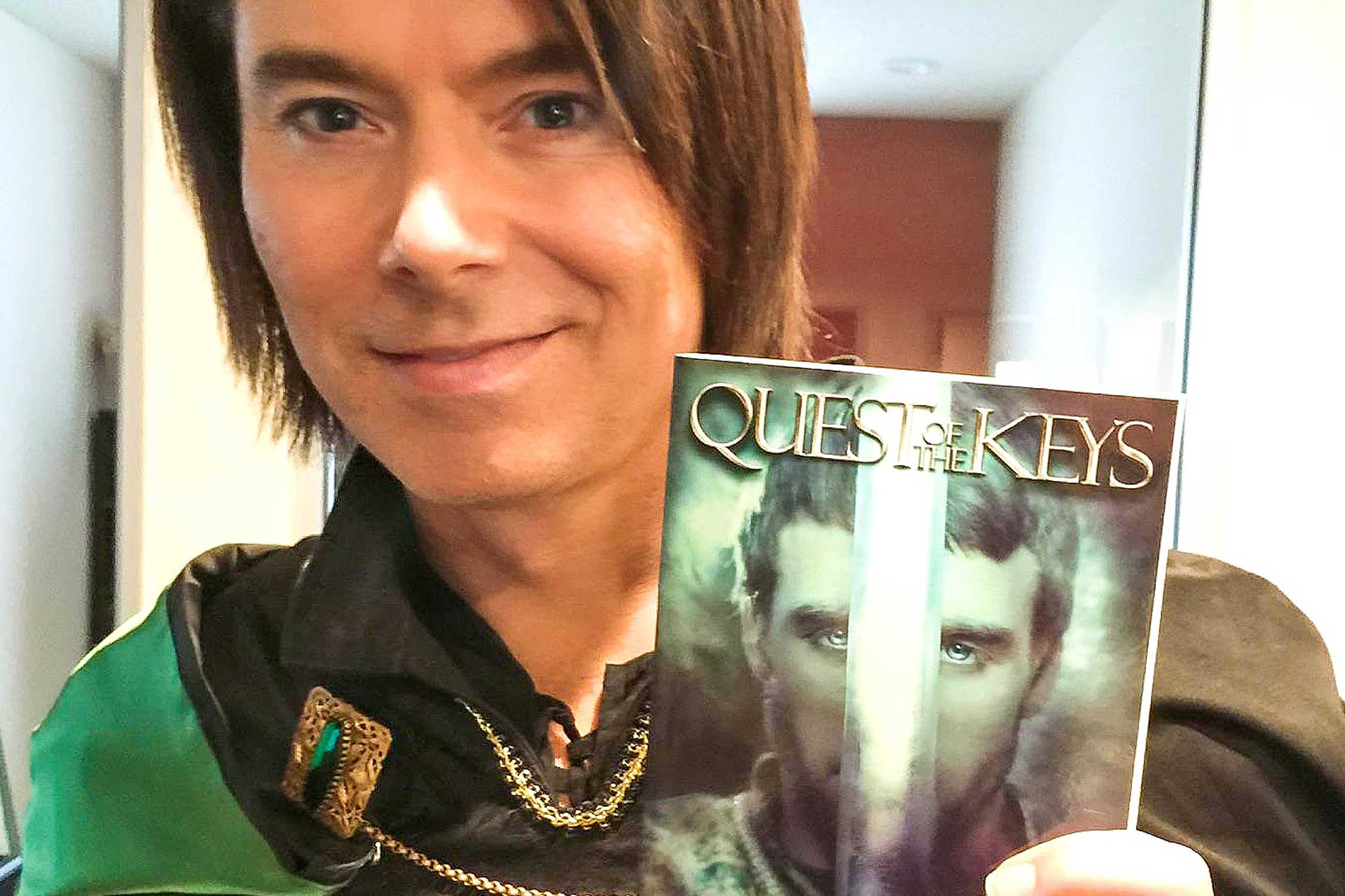At the photo shoot of the <em>Quest for the Keys<em> poster series. Benjamin Dane plays TALMON.